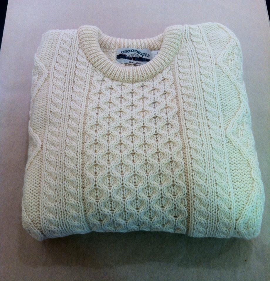 Unisex aran knit jumper. Perfect for this cold weather €45.00