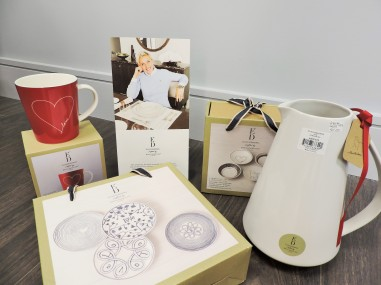 I'm in love with Ellen De Generes NEW Tableware Collection for Royal Doulton. Prices start from 12euro - Brooks Gift Shop