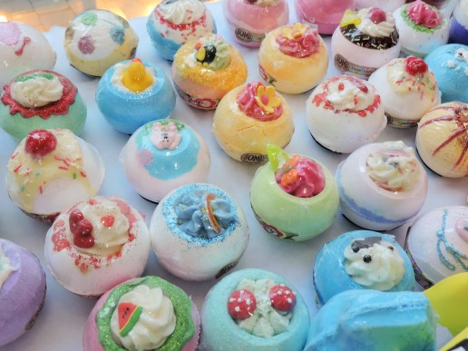 Bath Bombs for young and old from 3euro - Bomb Cosmetics